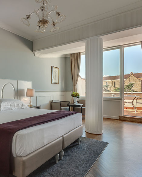 rooms deluxe hotel 4 stars superior Plaza Lucchesi center of Florence